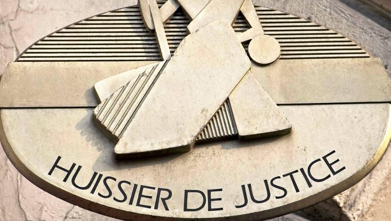 Quel est le rôle d'un huissier de justice en France ?
